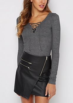 Marled Black Wide Ribbed Lace-Up Top