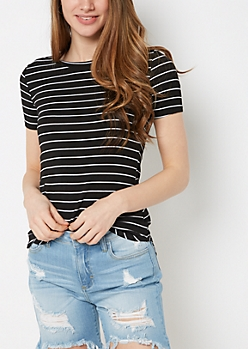 Black Striped Shirttail Hem Fitted Tunic Tee