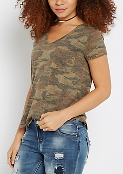 Camo Print V-Neck Shirttail Tee