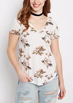 Ivory Rose Print V-Neck Shirttail Tee