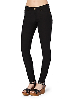 Black Better Booty Twill Stretch Jegging in Short