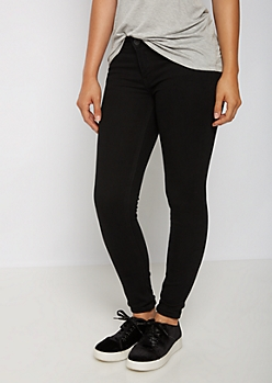 Black Mid Rise Jegging in Short
