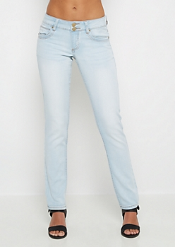 Light Wash Freedom Flex Skinny Jean in Short