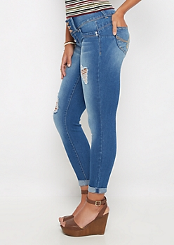 Better Butt Distressed 3-Shank Skinny Jean