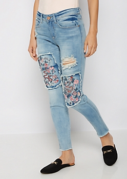 Dragon Embroidered Destroyed Jegging