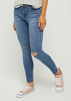 Sandblasted Slit Knee Raw Cut Skinny Jean in Regular