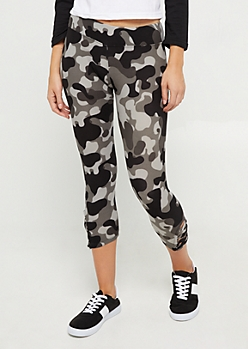 Black Camo Lattice Ankle Capri Legging