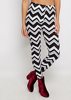 Black & White Chevron Legging