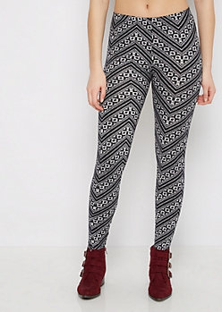 Black & White Geo Chevron Legging