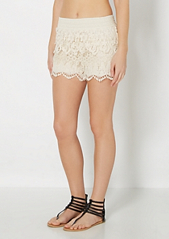 Cream Tiered Crochet Short