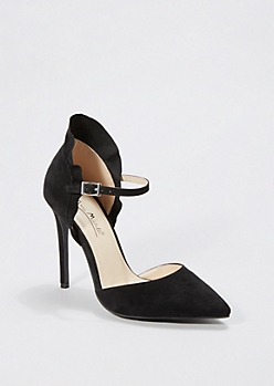 Black Pointed Toe Ruffled Pump by Anne Michelle®