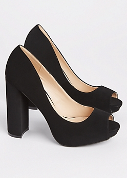 Black Peep Toe Block Heel By Qupid