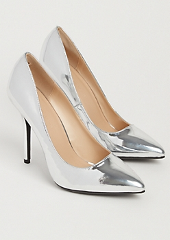 Silver Metallic Pointed Toe Stiletto By Wild Diva