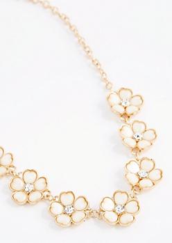 Ivory Stone Daisy Necklace