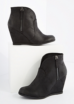 Black Vegan Leather Cut Out Wedged Booties By Qupid