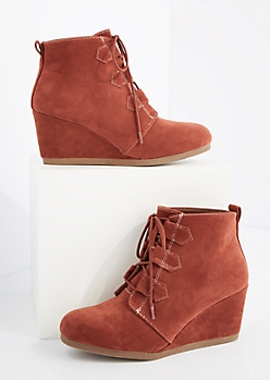 Cognac Lace Up Wedged Booties By Qupid