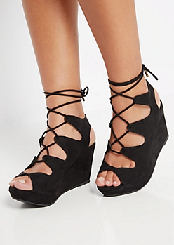 Black Scalloped Wedge Heel By Bamboo®