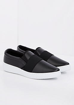 Black Banded Low Top Sneaker By Qupid