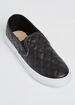 Black Quilted Skate Shoe By Qupid