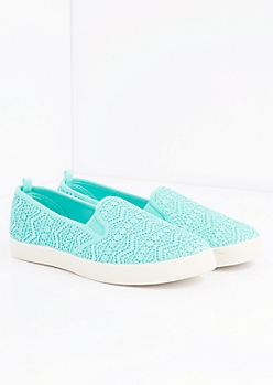 Light Green Aztec Crochet Skate Shoe