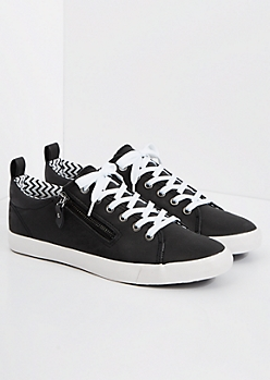 Black Zipped Low Top Sneaker