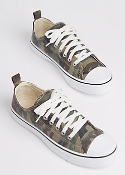 Washed Camo Low Top Sneaker
