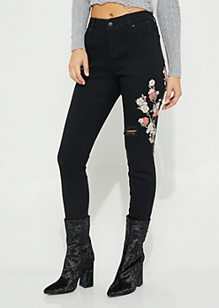 Floral Embroidered Black Curvy Jean in Curvy