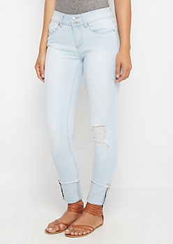 Flex Cuffed Light Destroyed Jegging in Curvy