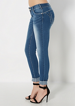 Sandblasted Better Booty Skinny Jean in Curvy