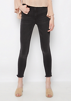 Black Washed High Rise Ankle Skinny Pant in Curvy