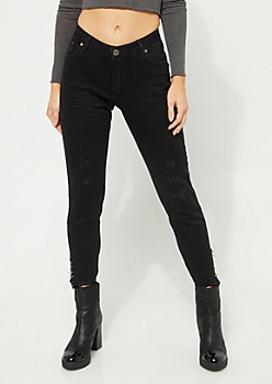 Black Mid Rise Frayed Ankle Jeggings in Curvy