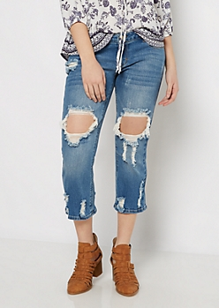 Ripped & Cropped Relaxed Jean in Curvy