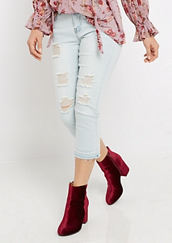 Light Blue Torn Cropped Jean in Curvy