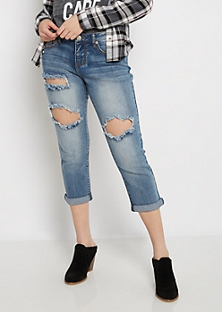 Destroyed & Cropped Relaxed Jean in Curvy