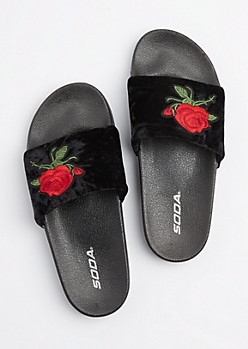 Black Rose Fuzzy Slide On