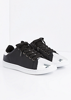 Black Metallic Toe Low Top Sneaker By Qupid
