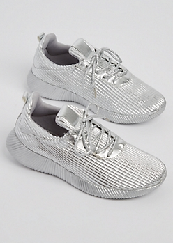Silver Metallic Low Top Sneaker By Qupid