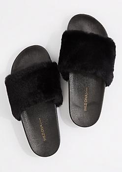 Black Fuzzy Slide-On By Wild Diva