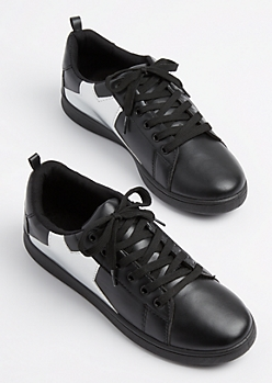 Black Metallic Star Low Top Sneaker