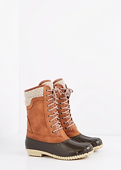 Brown Sweater Trim Duck Boot