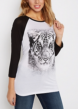 Photoreal Tiger Baseball Tee