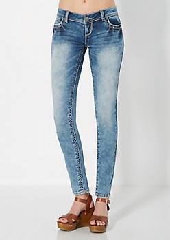 Sandblasted Embroidered Pocket Skinny Jean