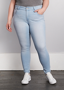 Plus Light Blue Mid Rise Jegging in Long