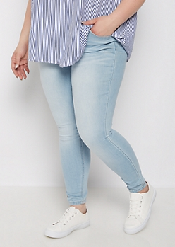 Plus Light Blue Jegging in Curvy