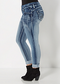 Plus Extreme Wash Better Booty Jean