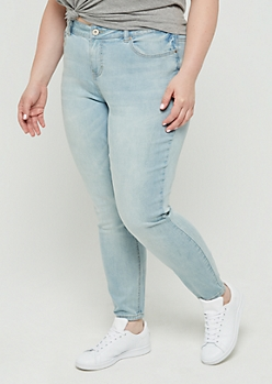 Plus Light Blue Vintage Skinny Jean in Curvy
