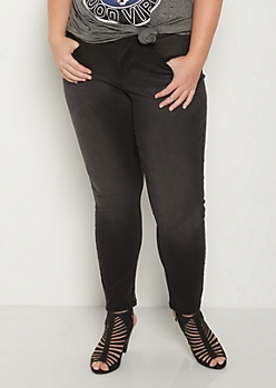 Plus Black Sandblasted Skinny Pant in Short