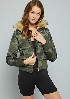 Camo Print Faux Fur Hood Quilted Bomber Jacket