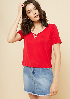 Red Lattice Neck Skimmer Tee