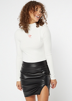 Ivory Cherub Embroidered Ribbed Mock Neck Top